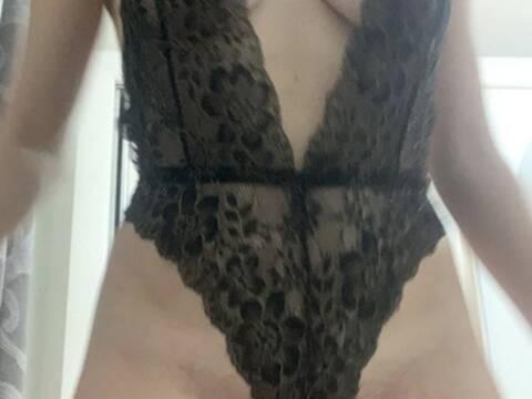 Sharon_hot